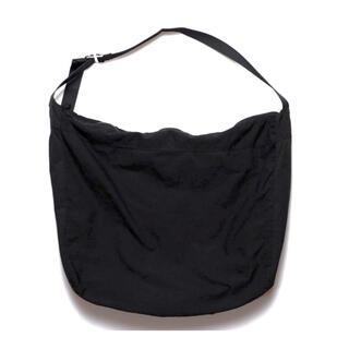 ノンネイティブ(nonnative)のnonnative【DWELLER SHOULDER BAG LARGE】(ショルダーバッグ)