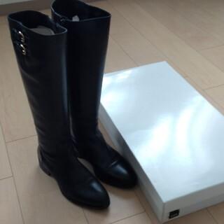 シップス(SHIPS)のSHIPS サイドファスナーロングブーツ 黒色 24.5cm(ブーツ)