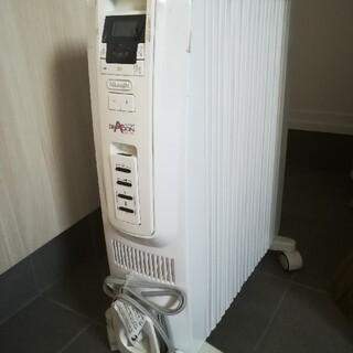デロンギ(DeLonghi)のデロンギ オイルヒーター TDD0915W(オイルヒーター)