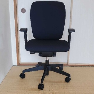 【値下げ】美品 イトーキ オフィスチェアー  KF-437GB-T1T1(オフィスチェア)