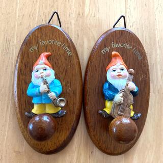 壁掛けフック 小人 木製 2個セット(インテリア雑貨)