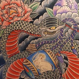 ルードギャラリー(RUDE GALLERY)の「大蛇と小槌」A4サイズ 刺青 タトゥーフラッシュ(ミラー)