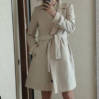 エイチアンドエム(H&M)の白コート(トレンチコート)