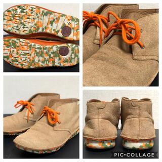 カンペール(CAMPER)の【美品】Camperのデザートブーツ(スウェード地にカモ柄ソール) (ブーツ)