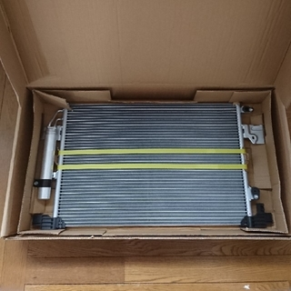 三菱 - 【新品未使用】三菱 デリカD:5 コンデンサー 車 自動車 部品 パーツ 車検