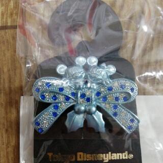 ディズニー(Disney)の新品未使用 ミッキーとミニー ペンダント (ブローチ/コサージュ)