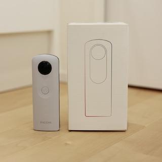 リコー(RICOH)の極美品 RICOH THETA SC ホワイト(コンパクトデジタルカメラ)