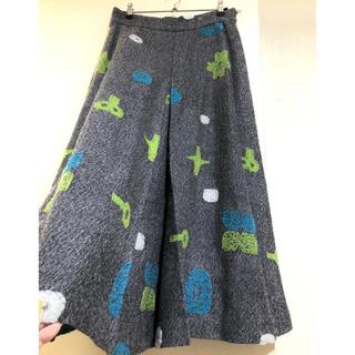 イッセイミヤケ(ISSEY MIYAKE)のイッセイミヤケ 刺繍ニットスカート(ロングスカート)