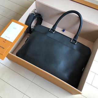 ルイヴィトン(LOUIS VUITTON)のLouis Vuitton PDB PM Taiga ブリーフケース(ビジネスバッグ)