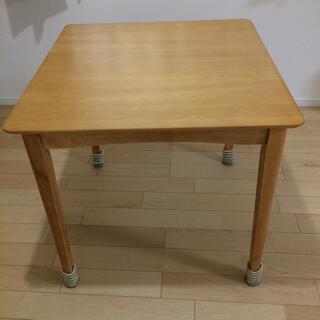 ニトリ(ニトリ)のテーブル 2人掛け(ダイニングテーブル)