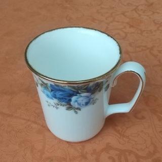 ロイヤルアルバート(ROYAL ALBERT)の【未使用に近い】ROYALALBERT  ロイヤルアルバート  マグカップ(グラス/カップ)