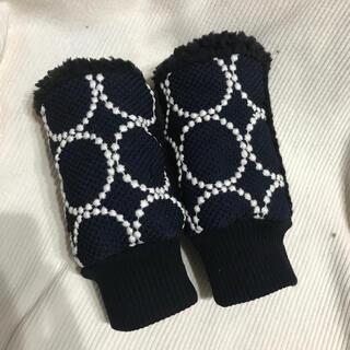 ミナペルホネン(mina perhonen)のミナペルホネン ハンドウォーマー 新作タンバリン ネイビーホワイト④(手袋)