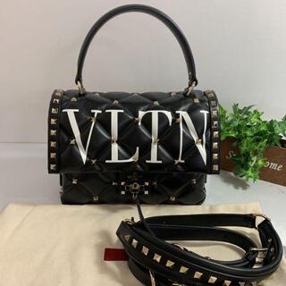 ヴァレンティノ(VALENTINO)の新品同様VALENTINO ヴァレンティノ VLTN スタッズバッグ(ハンドバッグ)