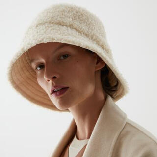 コス(COS)のcos リバーシブルボアハット 帽子(帽子)