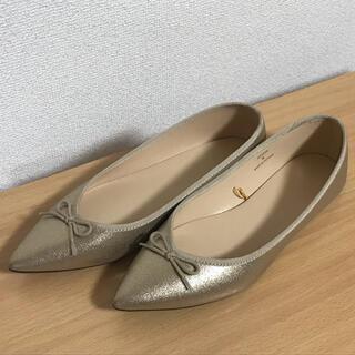 ジーユー(GU)のゴールド フラットシューズ 【未使用試着のみ】(バレエシューズ)