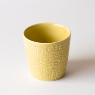 BIRDS' WORDS   PATTERNED CUP [yellow]