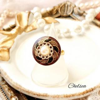 リリーブラウン(Lily Brown)のヴィンテージ調 アンティーク風大ぶりパールのボタン リング 指輪(リング)
