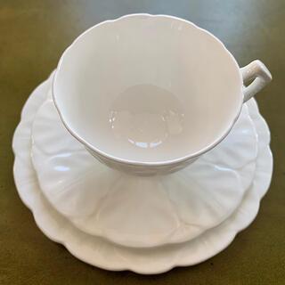 エインズレイ(Aynsley China)の【レア❗️】エインズレイ 1934年〜1939年 ホワイトフラワートリオ(食器)