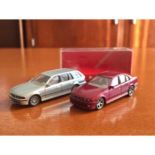 ビーエムダブリュー(BMW)のレア! ヘルパ  1/87 BMW528iシュニッツァー仕様・ワゴン2台セット(ミニカー)