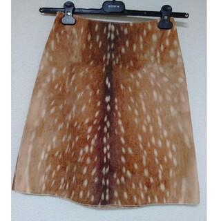 カルヴェン(CARVEN)のCARVEN バンビ柄スカート(ひざ丈スカート)