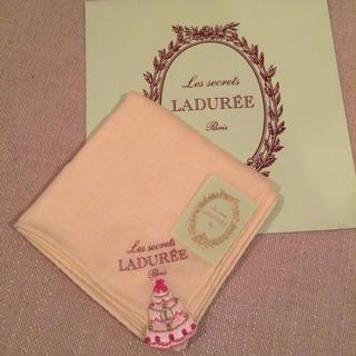 ラデュレ(LADUREE)の新品♡ラデュレ タオルハンカチ 刺繍(ハンカチ)