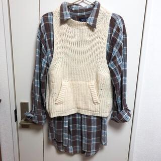 スタディオクリップ(STUDIO CLIP)のチェックシャツ、白ニットベスト(ベスト/ジレ)