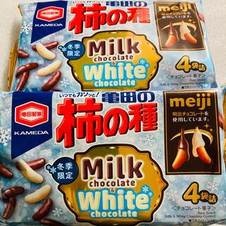 カメダセイカ(亀田製菓)の亀田の柿の種 ミルクチョコ&ホワイトチョコ 2袋(菓子/デザート)