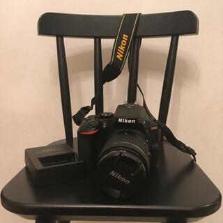ニコン(Nikon)のNikon D5600 ダブルズームレンズキット美品(デジタル一眼)