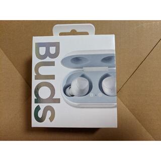 サムスン(SAMSUNG)のGalaxy Buds SM-R170NZWAXJP ホワイト(ヘッドフォン/イヤフォン)
