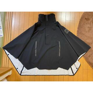 アディダス(adidas)の新品タグ付定価30800円アディダスY-3風デザインナイロンレインポンチョXSM(登山用品)