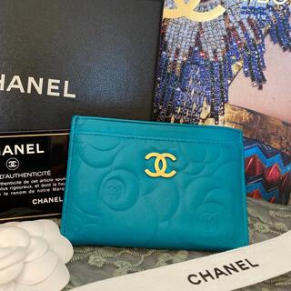 CHANEL - 【美品☆Gカード付き】シャネル カメリア カードケース エメラルドグリーン