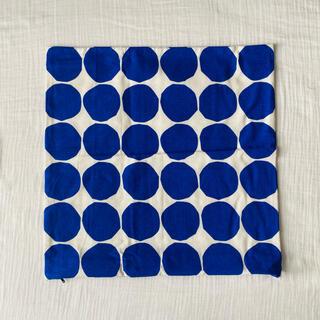 マリメッコ(marimekko)のMarrimekko キヴェット柄 クッションカバー 青(クッションカバー)