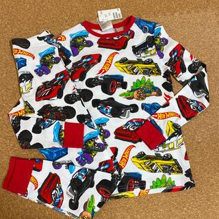 エイチアンドエム(H&M)の新品タグ付き135〜140長袖パジャマ 車柄 H&M.15(パジャマ)