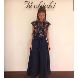 テチチ(Techichi)の新品未使用 Techichi ストレッチツイルプリーツスカーチョ ネイビー(カジュアルパンツ)