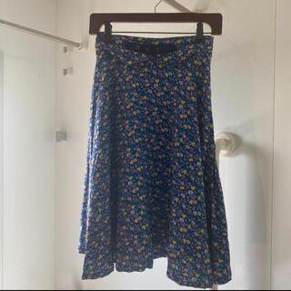 フィント(F i.n.t)のFi.n.tフルーツ柄ネイビースカート(ひざ丈スカート)