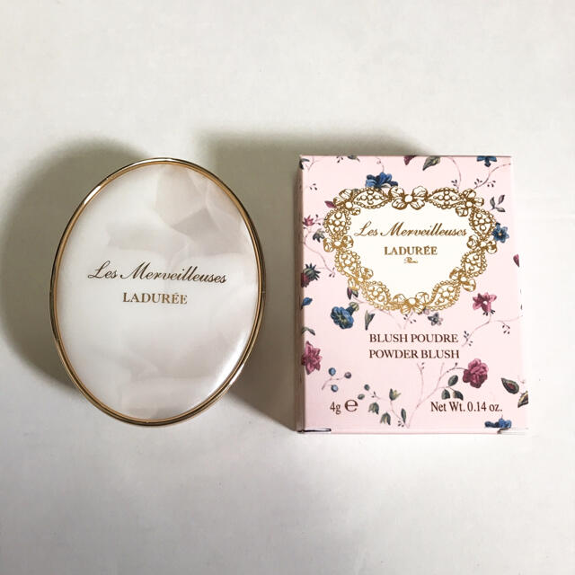 Les Merveilleuses LADUREE(レメルヴェイユーズラデュレ)のラデュレ パウダーブラッシュ チークカラー  コスメ/美容のコスメ/美容 その他(その他)の商品写真
