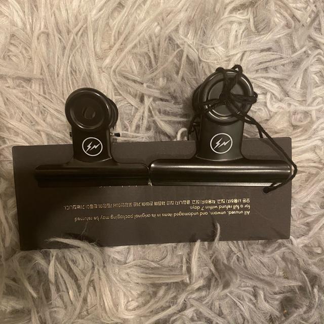 PEACEMINUSONE(ピースマイナスワン)のPEACEMINUSONE X FRAGMENT クリップ メンズのアクセサリー(その他)の商品写真