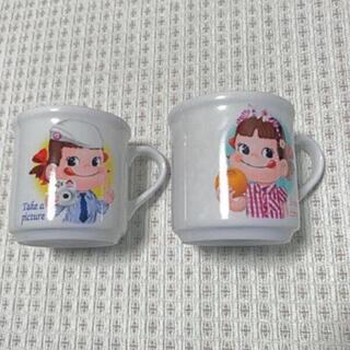 フジヤ(不二家)のレトロ  ペコちゃん  マグカップ  2個セット♡(グラス/カップ)