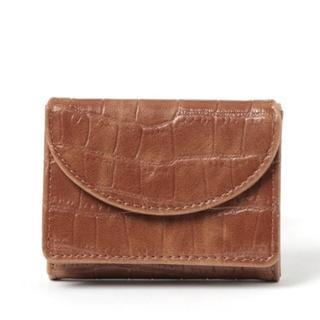 ローリーズファーム(LOWRYS FARM)の新品✨タグ付き✨箱入り✨LOWRYS FARMハーフムーンミニウォレット(財布)