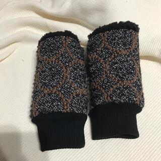 ミナペルホネン(mina perhonen)のミナペルホネン ハンドウォーマー タンバリン チャコール(手袋)