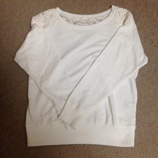 ジーユー(GU)のホワイトトレーナー(Tシャツ(長袖/七分))