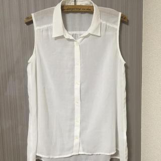 ジーユー(GU)のホワイトノースリブラウス♡(シャツ/ブラウス(半袖/袖なし))