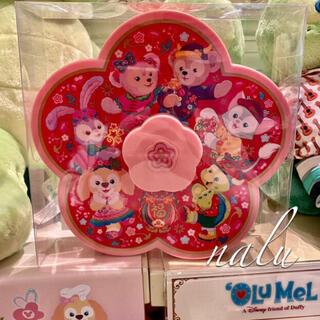 ディズニー(Disney)の香港ディズニー♡新作✨春節ダッフィー&フレンズお菓子箱(菓子/デザート)