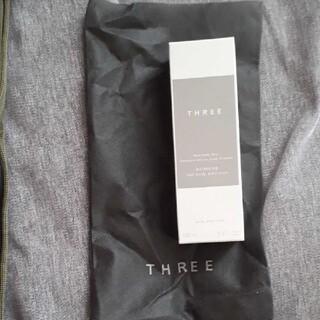 スリー(THREE)の新品未開封!THREE☆バランシングフルボディエマルジョン(化粧水/ローション)