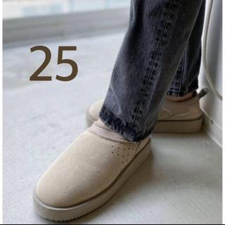 アパルトモンドゥーズィエムクラス(L'Appartement DEUXIEME CLASSE)のSUICOKE スイコック MOUTON SABO ムートンサボ  グレー 25(スリッポン/モカシン)