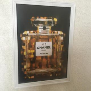 シャネル(CHANEL)のA4サイズアートポスターフレーム付き白、黒PK(ウェルカムボード)