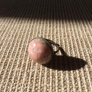 ピンクで可愛い♡ガラスビーズのリング (リング)