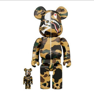 メディコムトイ(MEDICOM TOY)のMASTERMIND VS BAPE(R) BE@RBRICK (YELLOW)(その他)