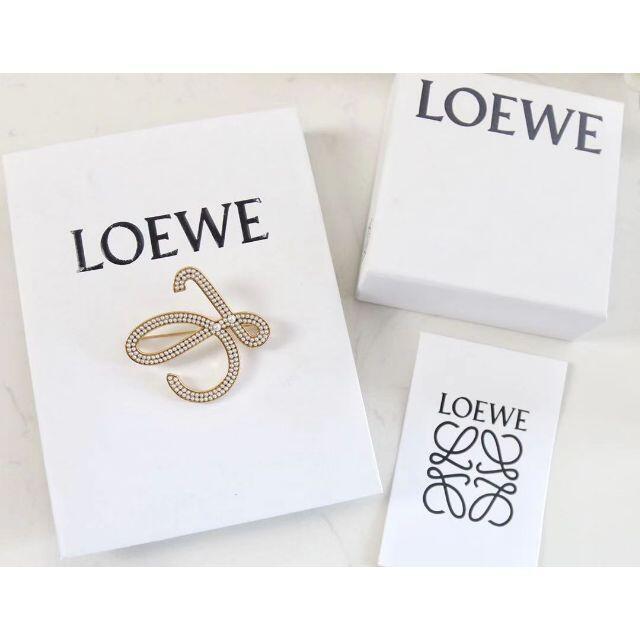 LOEWE(ロエベ)の未使用LOEWE ブローチ レディースのアクセサリー(ブローチ/コサージュ)の商品写真