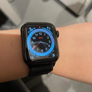 アップル(Apple)のApple Watch series5(腕時計)